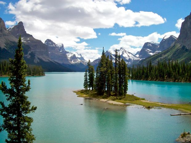 Maligne Lake