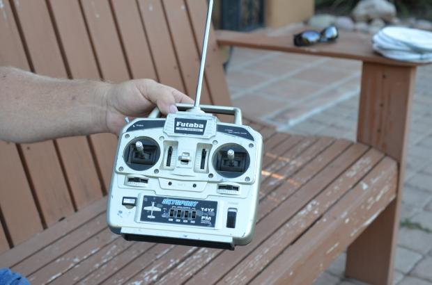 Hummingbird banding remote control